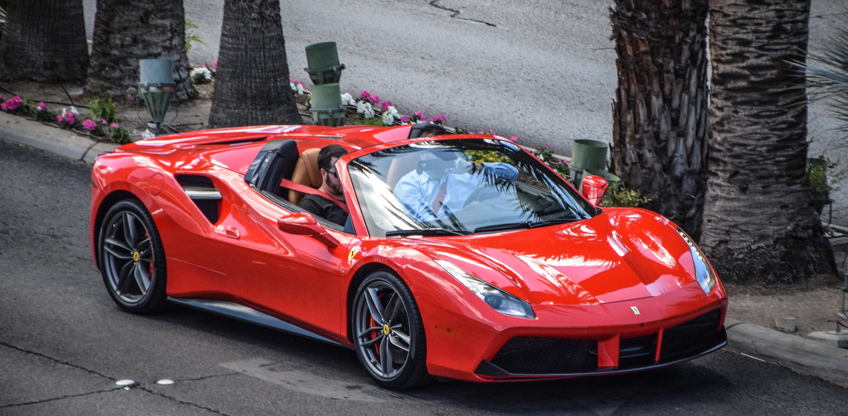 ferrari-488-spider-rental-miami-beach-florida