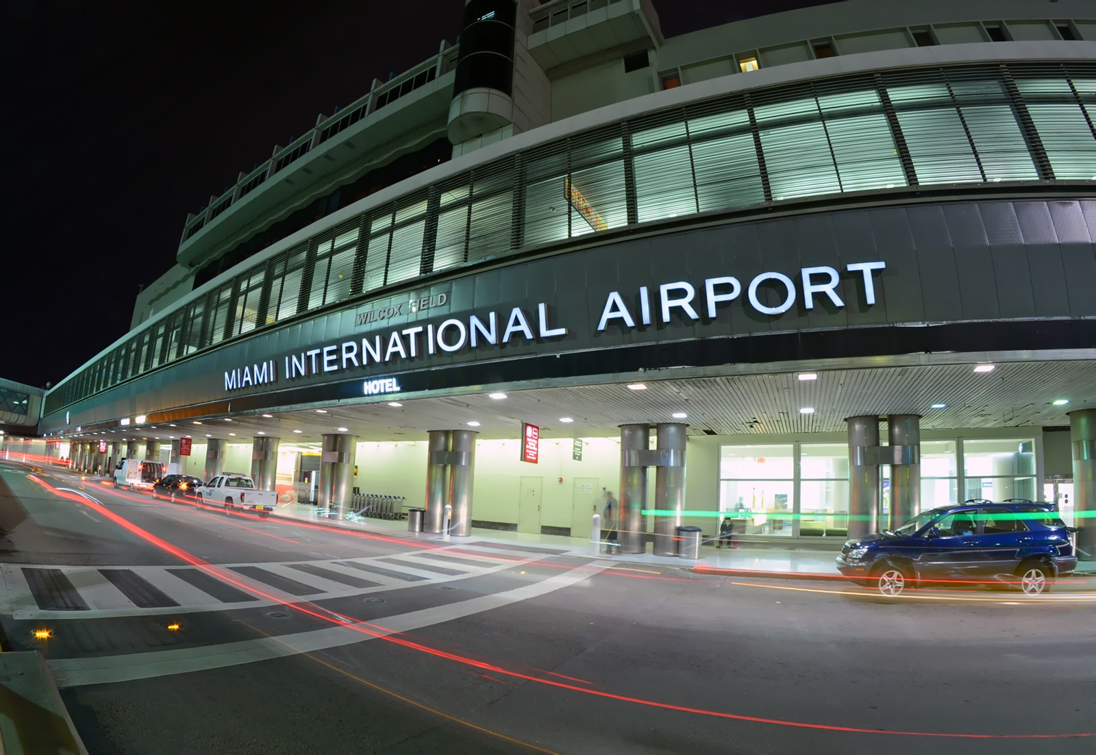 miami-airport-limo-transportation-shuttle